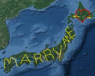 man proposed marriage using GPS art